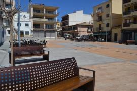 Casi concluida la reforma de la Plaça dels Mariners en Capdepera