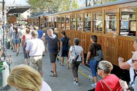 Anuncian ocho días de huelga en el tren de Sóller en plena temporada turística