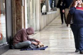 Casi la mitad de españoles estará en riesgo de pobreza aunque pase la crisis