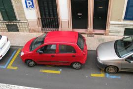 Un estudio indica que el 30% de los conductores cree que no sabe aparcar