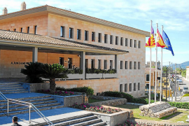 Seis candidatos aspiran a romper el bipartidismo PP–PSOE en el Consistorio