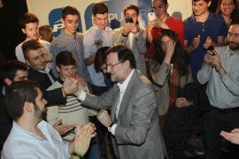Rajoy anima a los jóvenes a «pelear» por el futuro: «No se puede esperar a que el Gobierno lo resuelva todo»