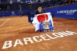 Nishikori retiene la corona en Barcelona