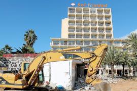 El paro en el sector de la construcción se reduce a la mitad en tres años en Balears