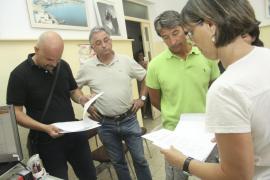 Los directores expedientados de Mahón se querellan contra cargos de la Conselleria