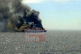 Ferry incendiado en alta mar