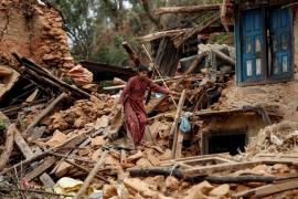 El gobierno nepalí contabiliza ya más de 5.000 víctimas tras el terremoto