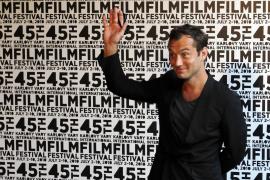 Jude Law, premiado en el Festival de Cine de Karlovy Vary