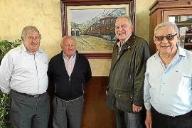 """Encuentro de excompañeros de """"mili"""""""