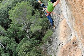 Iker Pou culmina la vía de escalada más difícil de Mallorca
