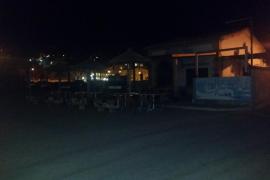 La primera línea de Cala Sant Vicenç lleva más de una semana sin luz