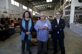 Santandreu inaugura los nuevos talleres y el mercadillo de Can Gazà