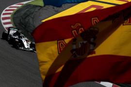 Rosberg logra su primera 'pole' de 2015