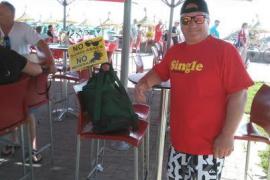 Los turistas plantan cara a los vendedores ambulantes y a las masajistas de la Platja de Palma