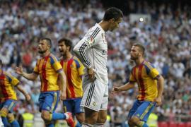 El Valencia descuelga al Madrid de la lucha por el título de Liga