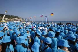 Un millonario chino lleva a 6.400 trabajadores suyos de vacaciones a Francia