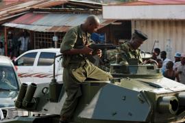 Patrulla de soldados de Burundi