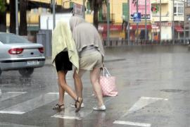 Este viernes, descenso de las temperaturas y vientos de intensidad muy fuerte en Baleares