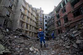 Nepal eleva a más de 8.400 los muertos por los terremotos