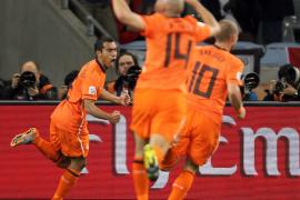 Holanda, en la final (3-2)
