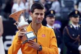 Djokovic se alza con el título en Roma tras deshacerse de Federer
