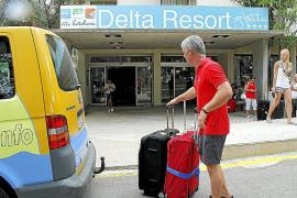 Los 70 empleados del hotel Delta no saben cuándo van a empezar a trabajar