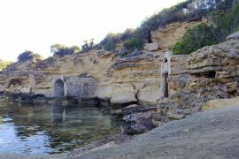 Artà asume la retirada de escombros de Ca los Camps y evita el cierre del acceso a la playa