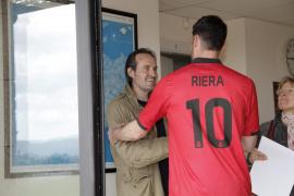 El Mallorca expedienta a Riera por decir que no jugará mientras Soler entrene el equipo