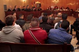 Casi un siglo de prisión para 27 de los 33 acusados por el desembarco de Valldemossa