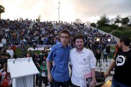 Más de 1.500 personas reciben en Palma a Íñigo Errejón al grito de 'Sí se puede'
