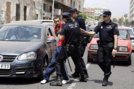Altercado en Correos entre miembros de Coalición por Melilla y el PP por «numerosos sobres con votos»