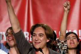 Ada Colau vence en Barcelona y dice que quiere ser «la alcaldesa de todos»