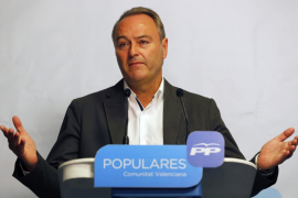 Fabra dejará la presidencia del PP valenciano