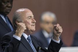 Blatter continuará rigiendo el destino de la FIFA