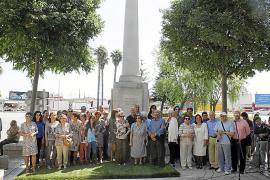 El reivindicado obelisco de Mossèn Alcover luce de nuevo en Na Camel·la