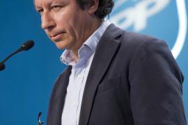 Floriano insiste desde Madrid en que los congresos regionales serán tras las generales