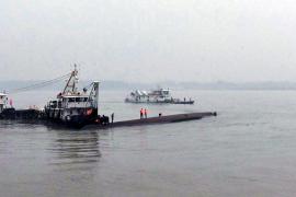 Se hunde un barco con 458 personas en el río Yangtsé en China