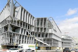 Barceló ya puede volver a abandonar el Palacio de Congresos y recuperar el aval
