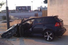 En estado crítico un conductor que se estrelló contra una gasolinera en Porto Cristo
