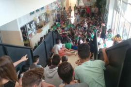 Nueva sentada contra la dirección del instituto de Binissalem