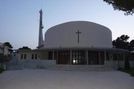 Entran a robar en la iglesia de Can Picafort y se llevan el dinero del cepillo y la comida de Cáritas