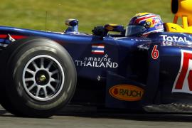 Webber, mejor tiempo en los libres de Silverston por delante de Alonso