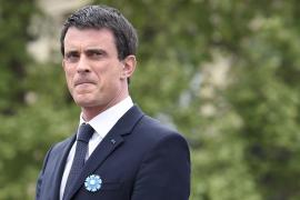 Valls pagará el viaje en avión oficial de sus hijos para ver al Barça
