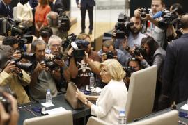 Carmena, elegida alcaldesa de Madrid, acaba con 24 años de gobierno popular