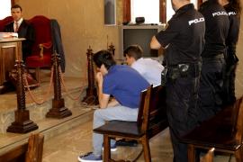 Los dos jóvenes admiten en el juicio ser los autores del parricidio de Alaró