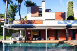 La Infanta y Urdangarín cierran en  Barcelona la venta de su casa de Pedralbes
