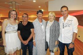 Desfile solidario del Club Elsa en el Melià Palas Atenea