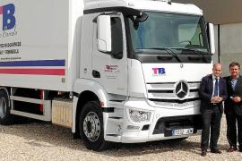 Auto Vidal entregó un Mercedes-Benz Antos a Transportes Barceló 2010  S.L.