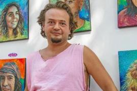 Los 'Iconos' de Vivo Gal Grabby en el Hippy Market