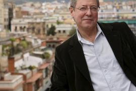 El escritor barcelonés Félix  de Azúa, nuevo académico de la RAE